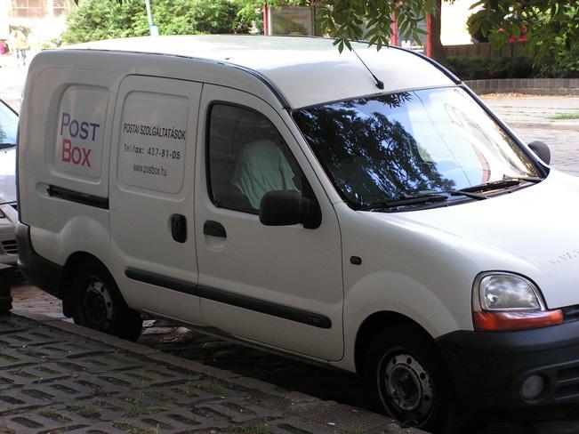 postai ügyintézés autóval