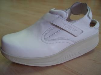dr. Batz gördülő cipő