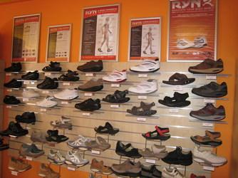 gördülő talpú cipők
