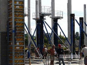 monolit vasbeton pillér