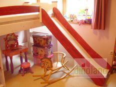 egyedi emeletes ágy csúszdával