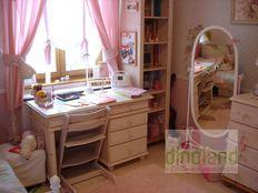 egyedi gyerekbútor fehér íróasztal