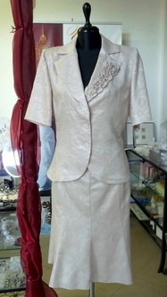 örömanya kosztüm 02