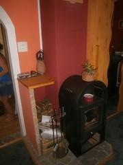 fatüzeléses kandalló a nappaliban
