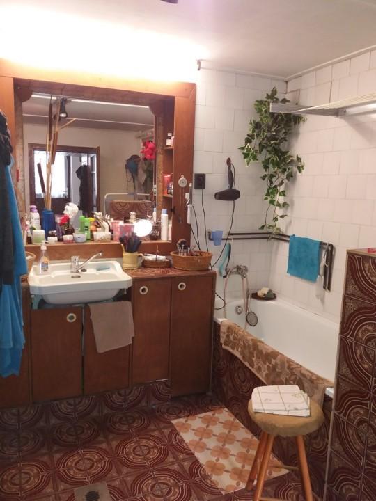 Gyermely eladó családi ház, fürdőszoba közelről
